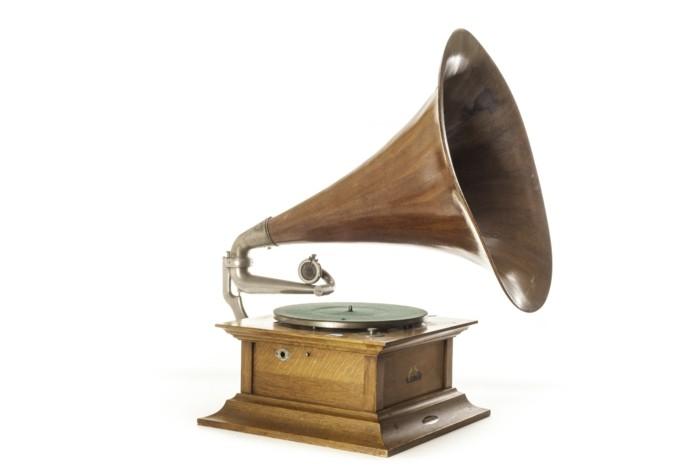 deko-aus-schallplatten-erinnerungen-an-die-alten-zeiten