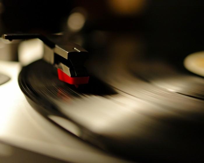 deko-aus-schallplatten-für-die-liebhaber-sind-die-schallplatten-sehr-rar
