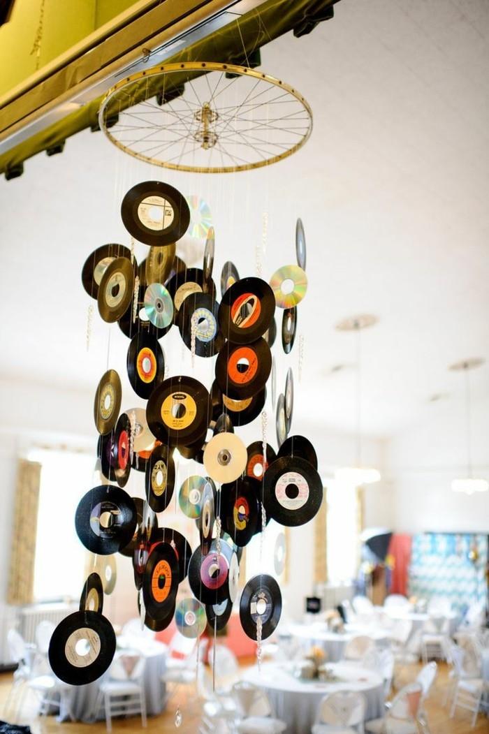 deko-aus-schallplatten-mit-den-alten-schallplatten-kann-man-die-wohnung-verschönern