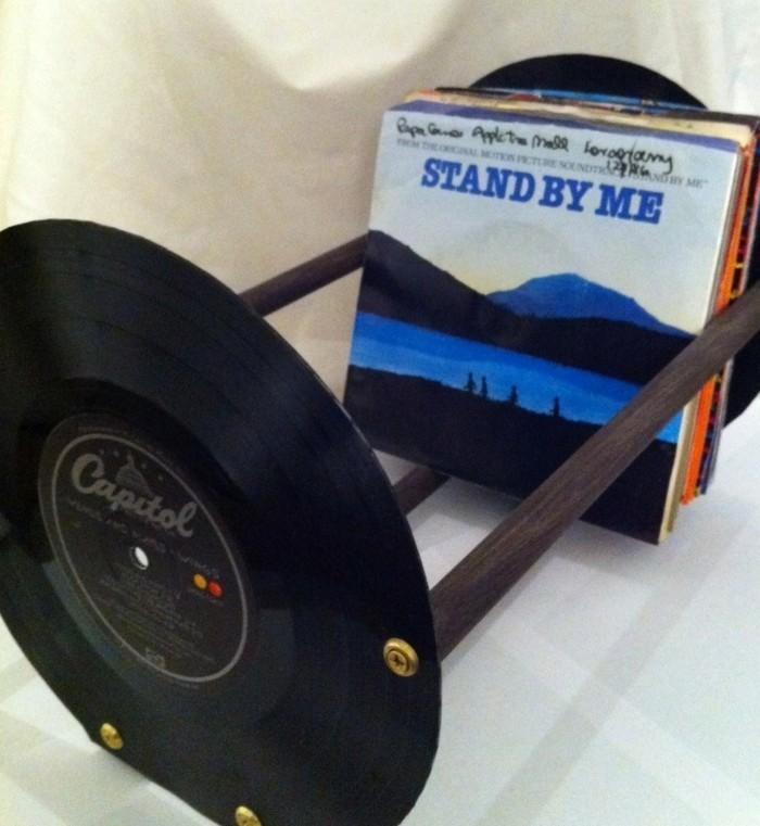 deko-aus-schallplatten-schallplatten-als-CD-stütze-verwenden