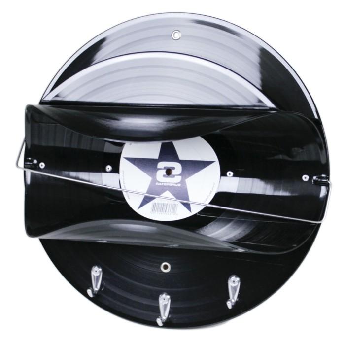 deko-aus-schallplatten-toilettenpapierhalter-aus-einer-alten-schallplatte
