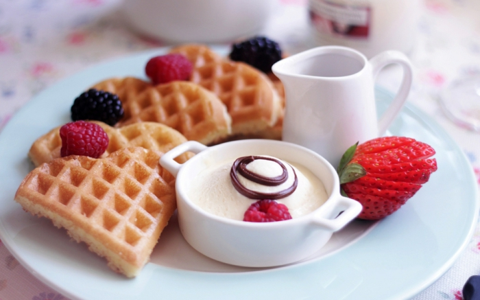 frühstücksideen-joghurt-früchte