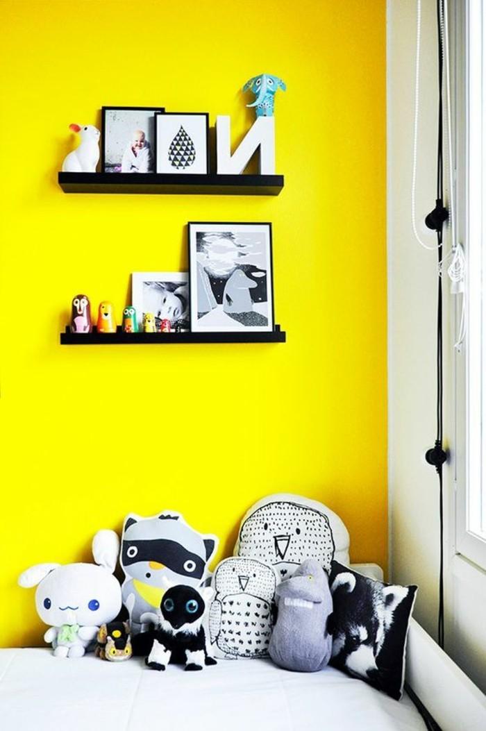 gelbe-akzentwand-im-zimmer-wandfarben-vorschläge-zum-inspirieren