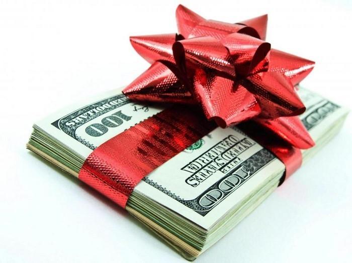 geldgeschenk-hochzeit-Geld-verpackt-mit-einem-Band