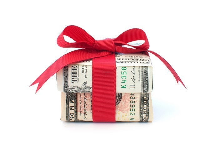 geldgeschenk-hochzeit-Geldkasten-mit-einem-Band