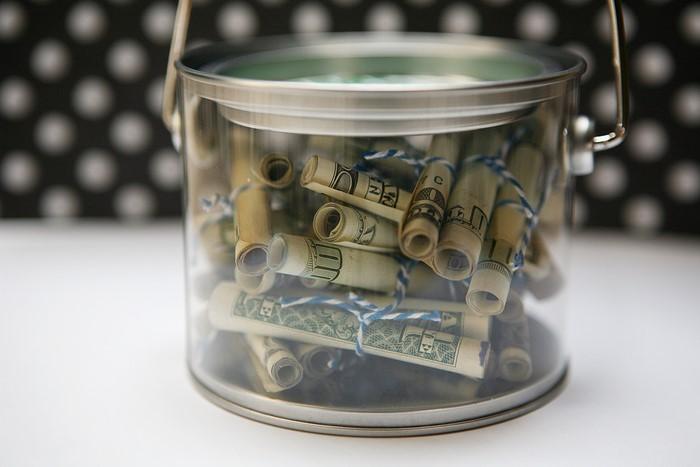 geldgeschenk-hochzeit-ein-Bierchen-voller-Geldes