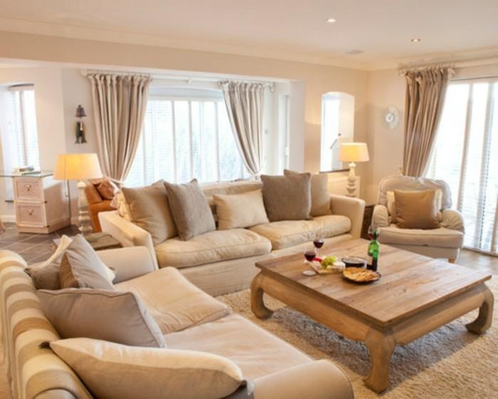 wohnzimmer accessoires bringen leben ins zimmer:Sofa als Mittelpunkt des Zimmers