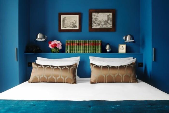 gemütliches-wohnzimmer-in-blau-wandfarben-ideen