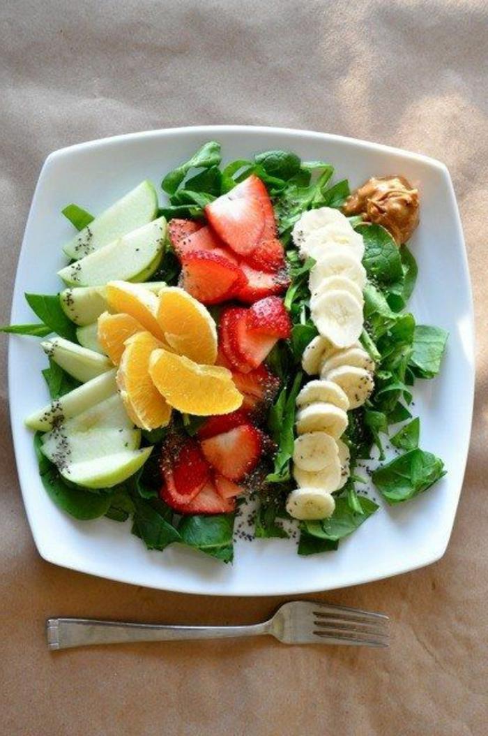 gesunde-frühstücksideen-obst-salat
