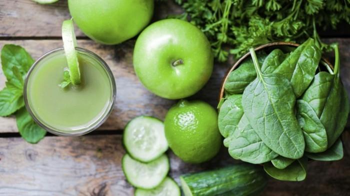 detox-entgiftung-grüner-smoothie-gurke-apfel-limette-spinat