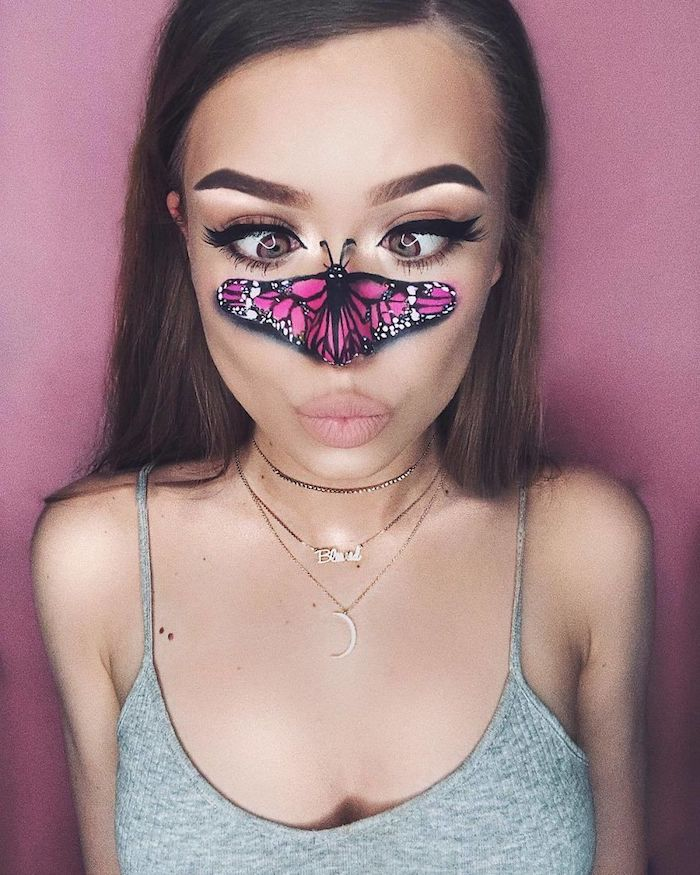Last Minute Halloween Schminke, violetter Schmetterling auf der Nase, schwarzer Eyeliner