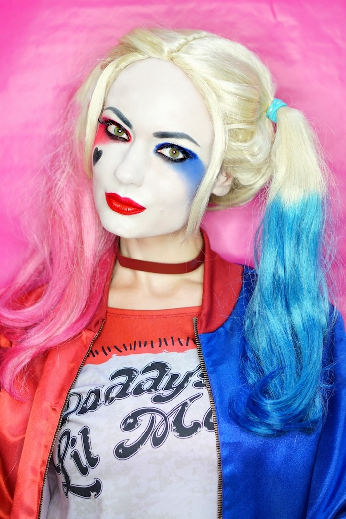 Schritt für Schritt Anleitung für Harley Quinn Make-up, Halloween Schminken Ideen für Frauen