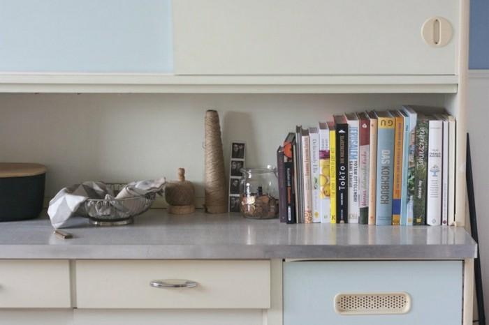 interessante-küchendeko-ideen-viele-bücher-als-akzent