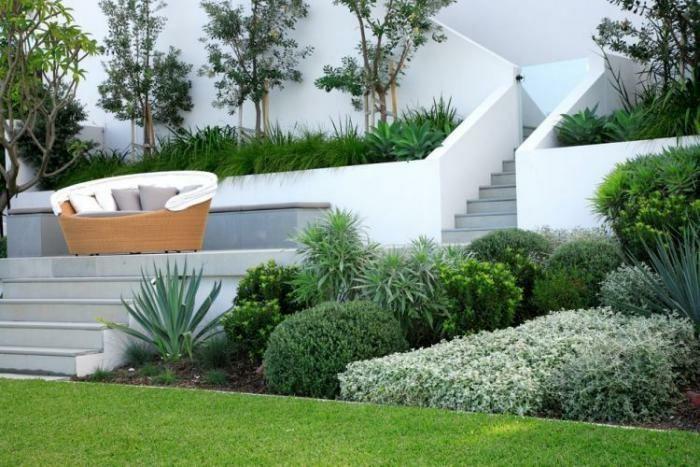 moderne gartengestaltung mit rattan garten couch - Moderne Gartenbepflanzung