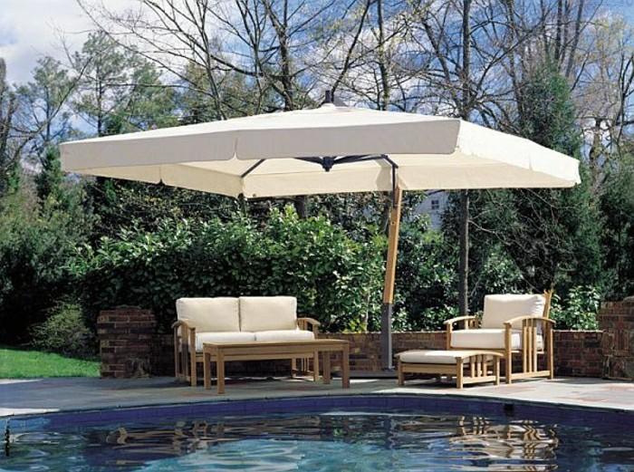 moderne-gartengestaltung-mit-schwimmbad-und-loungemöbel