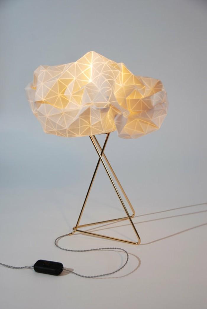 origami-lampenschirm-ein-gefalteter-lampenschirm