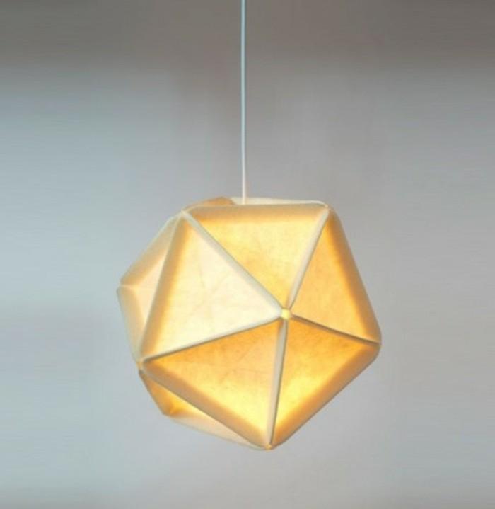 origami-lampenschirm-eine-gefaltete-origami-lampe