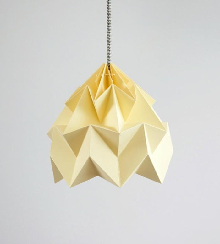 origami-lampenschirm-lampenschirm-aus-einem-farbigen lampenpapier