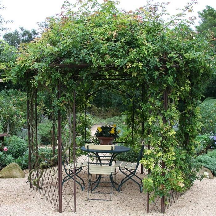 pergola-mit-pflanzen-als-sonnenschutz-für-garten