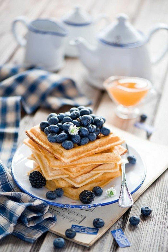 pfannkuchen-torte-mit-blauebeeren