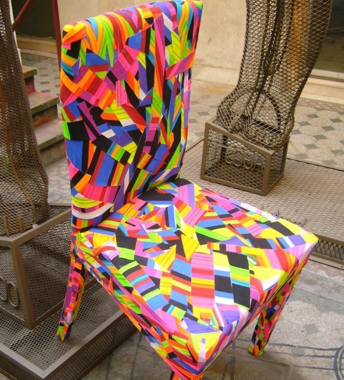 plastik-recycling-stuhl-aus-einem-recycelten-plastik