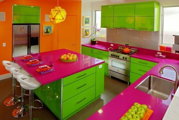 super-lustige-grelle-wandfarben-für-eine-frische-küche