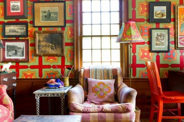 viele-bilder-an-der-wand-interessante-wandfarben-ideen-fürs-wohnzimmer