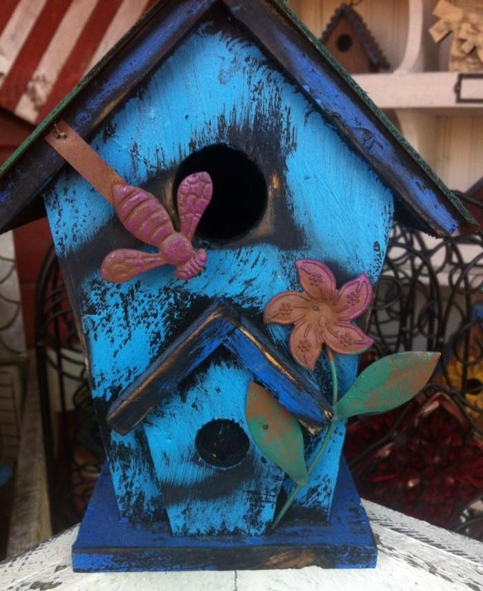 vogelfutterhaus-selber-bauen-aus-holz-ein-traumhaftes-vogelfutterhaus-selber-bauen