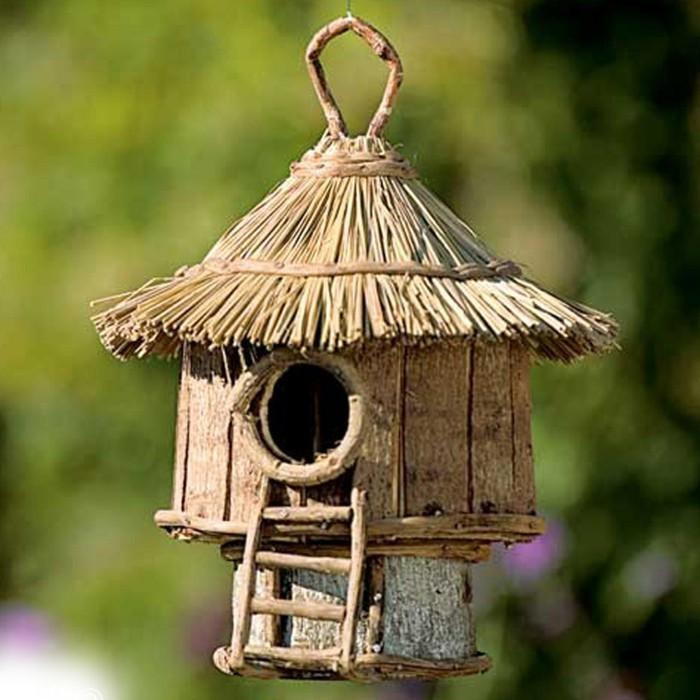 Ideen für Garten Vögel Bienen anlocken Futterhaus