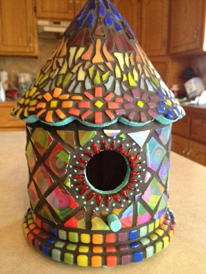 vogelfutterhaus-selber-bauen-noch-eine-schöne-idee