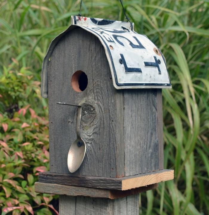 vogelfutterhaus-selber-bauen-solche-vogelfutterhäuser-können-sehr-leicht-gemacht-werden