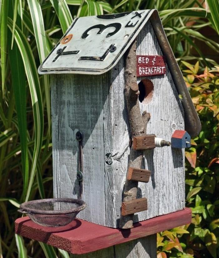 vogelfutterhaus-selber-bauen-vogelfutterhäuser-können-sehr-leicht-gemacht-werden
