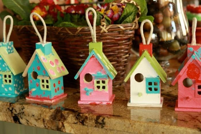 vogelfutterhaus-selber-bauen-vogelhäuser-könnten-auch-gute-geschenkidee-sein