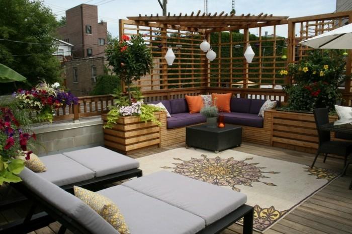 wunderschöne-gemütliche-terrasse-pergola-aus-holz