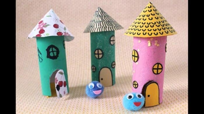 Bastelideen-mit-Klopapierrollen-bunte-Häuser