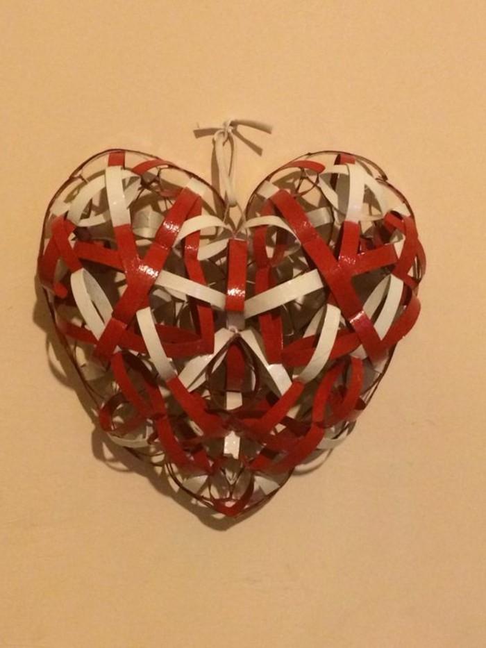 Bastelideen-mit-Klopapierrollen-rotes-Herz