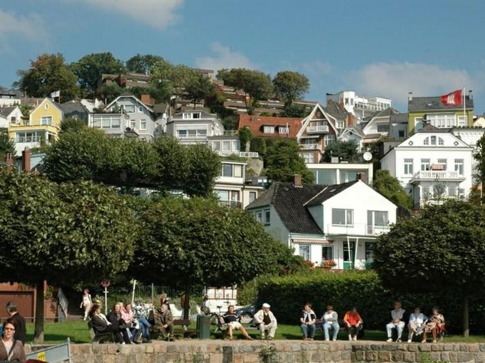 Blankenese-villenviertel-wunderschöner-ausblick