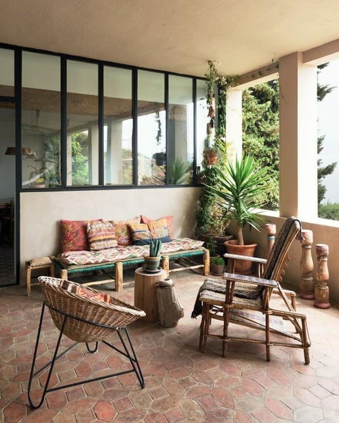 Deko-für-Terrasse-interessante-Möbeln