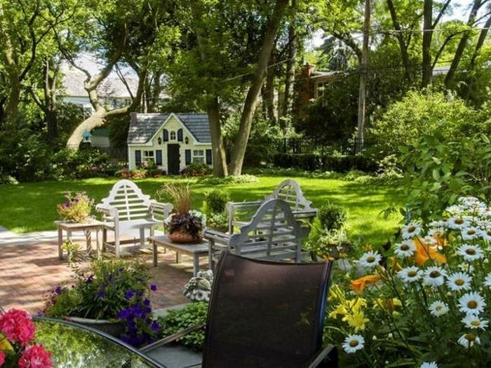 Gartengestaltung-Ideen-für-Kinder-Eine-auffällige-Ausstattung