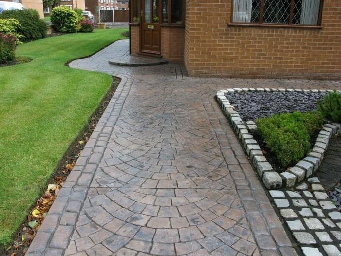 Gartenwege-gestalten-Ein-außergewöhnliches-Design