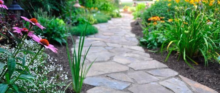 Gartenwege-gestalten-Ein-kreatives-Design