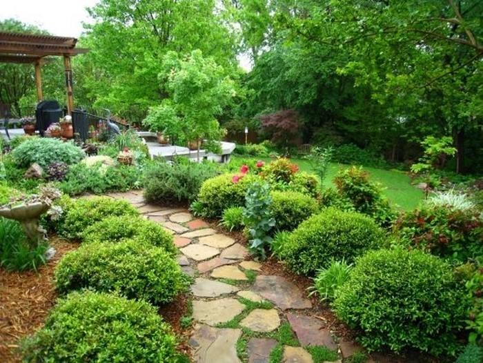 Gartenwege-gestalten-Ein-kreatives-Exterieur