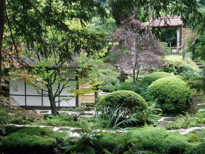 Gartenwege-gestalten-Ein-modernes-Design