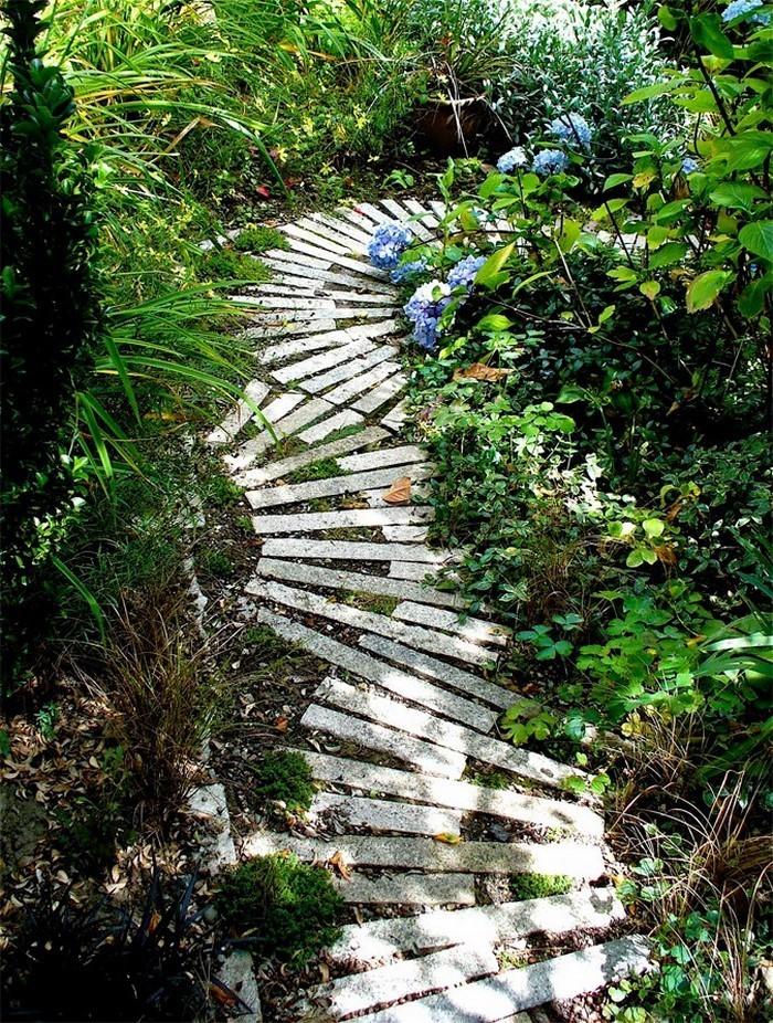 Gartenwege-gestalten-Ein-super-Design