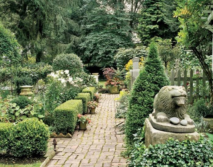 Gartenwege-gestalten-Eine-außergewöhnliche-Ausstrahlung