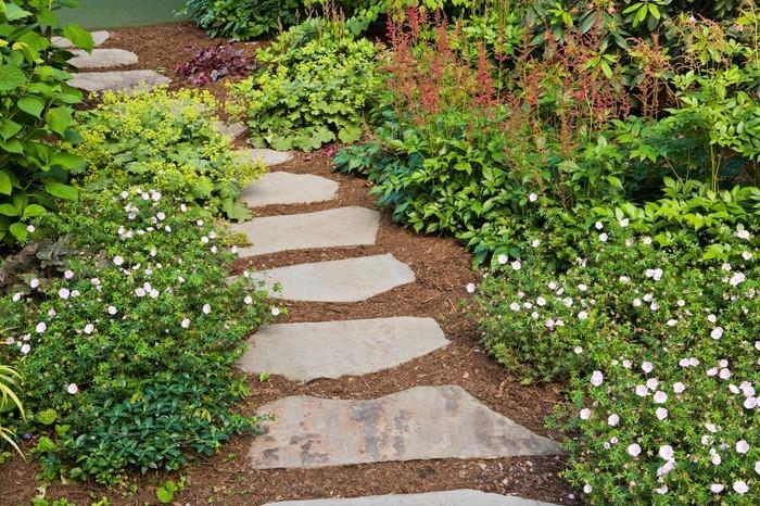 Gartenwege-gestalten-Eine-super-Ausstattung