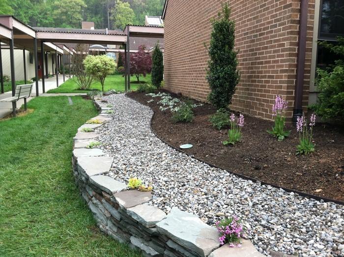 Gartenwege-gestalten-Eine-tolle-Ausstattung