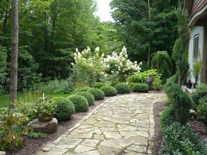 Gartenwege-gestalten-Eine-tolle-Dekoration