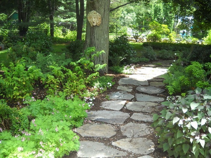 Gartenwege-gestalten-Eine-tolle-Gestaltung