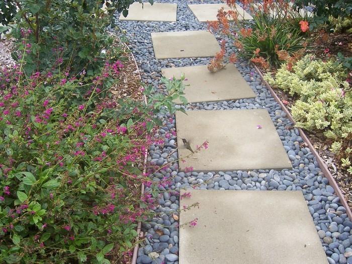 Gartenwege-gestalten-Eine-verblüffende-Entscheidung
